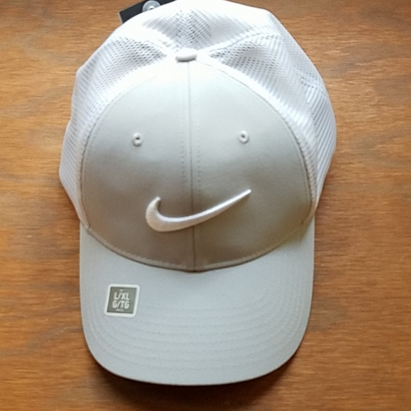 Nike Other - Nike Golf Hat
